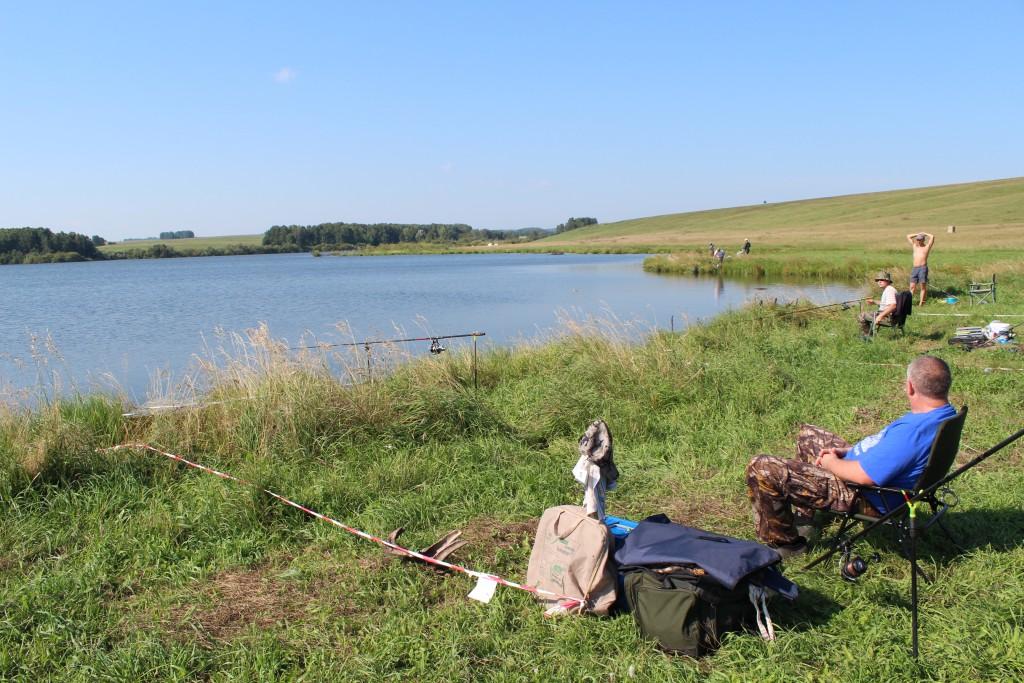 Большое памятное озеро рыбалка